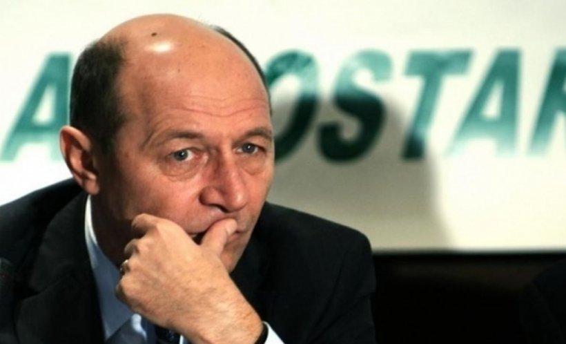 Băsescu arată cu degetul spre scorul lui Iohannis, dar el nu a luat niciodată atâtea procente în turul I la prezidențiale