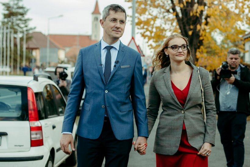Un nou scandal zguduie USR. Soția lui Dan Barna, acuzată că i-a jignit pe liderii partidului