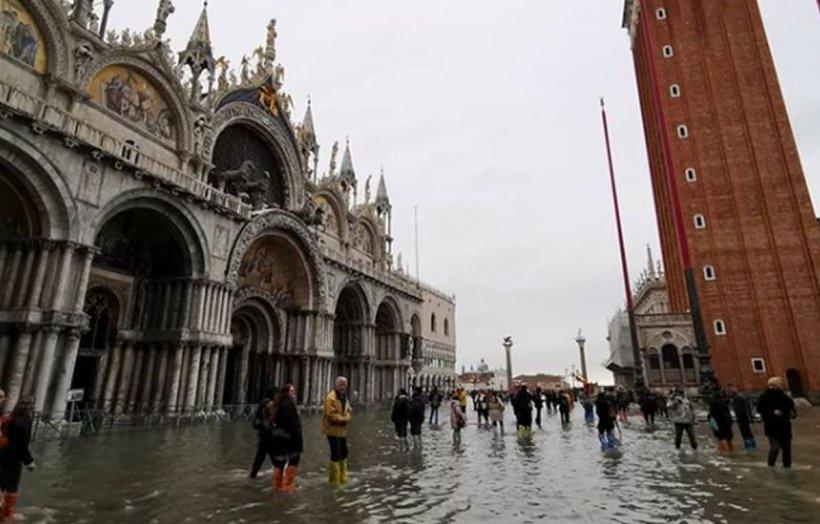Imagini apocaliptice din Veneția! Orașul italian, luat pe sus de inundații de proporții istorice