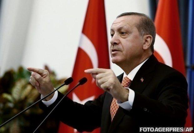 """Recep Tayyip Erdogan îl critică pe Emmanuel Macron pentru comentariile făcute despre NATO: """"E inacceptabil"""""""