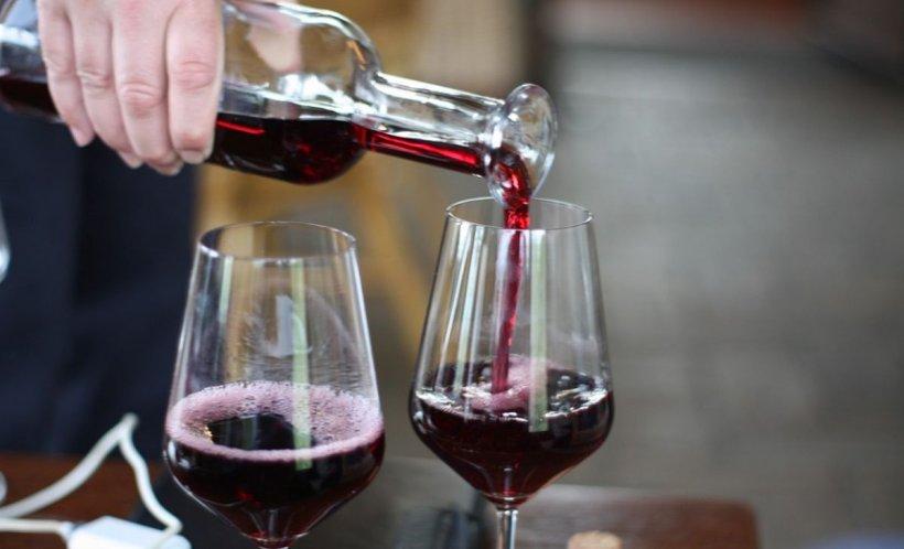 """Avertismentul unui medic: """"Al doilea pahar de vin este toxic"""""""