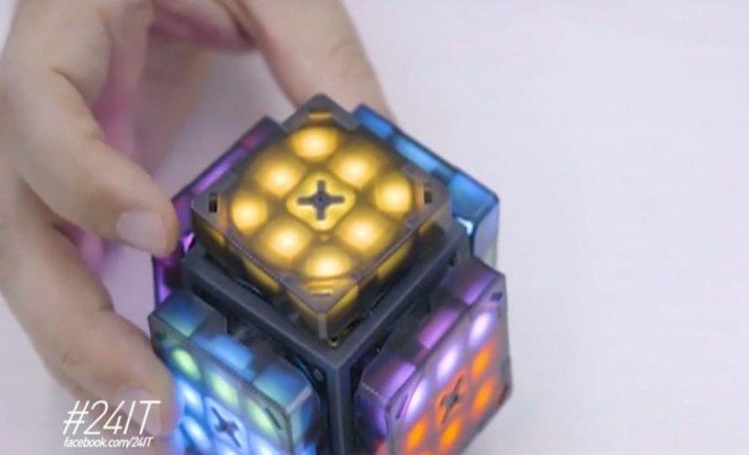 24 IT. Cubul Rubik, varianta smart