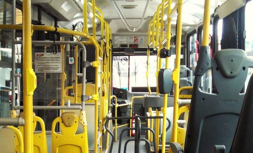 Scandal violent în autobuz! Doi bărbați s-au luat la bătaie sub privirile speriate ale celorlalți pasageri