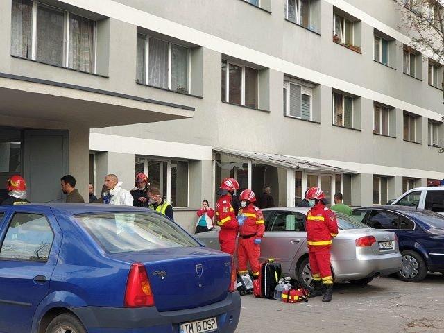 Alertă în Constanța! Zeci de persoane evacuate după ce un bătrân a amenințat că aruncă în aer un bloc