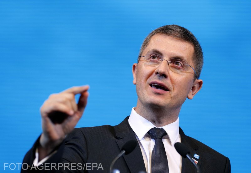 """Dan Barna: """"Premierul Orban a spus că va susține inițiativa noastră de a crește numărul de senatori și deputați ai diasporei în Parlament"""""""