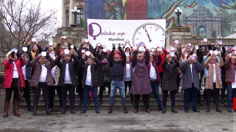 Flash mob în Bucureşti! Stop violenţei împotriva femeilor - VIDEO