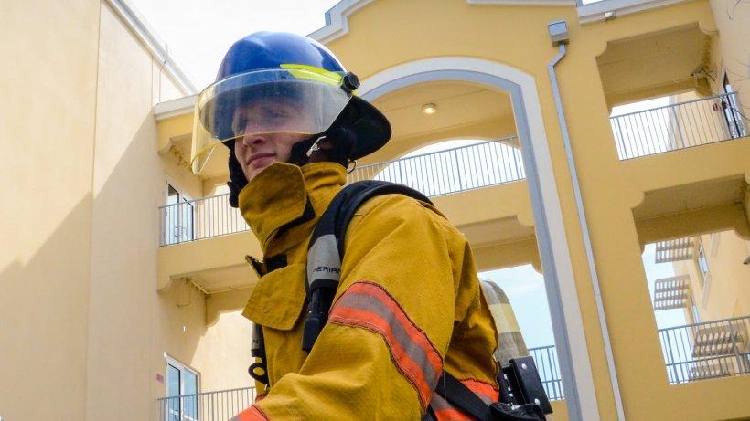 Intervenție emoționantă a pompierilor! Au salvat un cățeluș de doar câteva săptămâni dintr-o conductă (VIDEO)