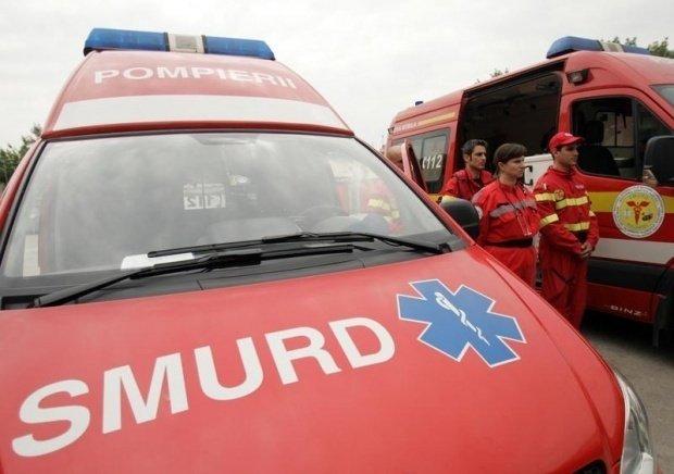 Accident grav: Cinci persoane rănite, după impactul dintre un microbuz și un autoturism