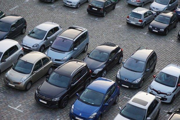 Vești bune pentru navetiștii care vin cu mașina în București. Noi parcări, construite aproape de gurile de metrou