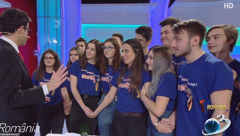 """1 România: Cristina Bălăucă a câștigat concursul organizat de Antena 3. Cum își propune """"doamna profesoară"""" să schimbe România - VIDEO 16"""