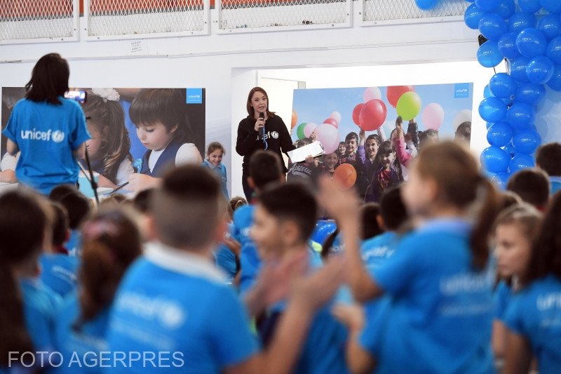"""Andreea Marin, la Sinteza zilei: """"UNICEF apără drepturile copiilor în întreaga lume"""""""