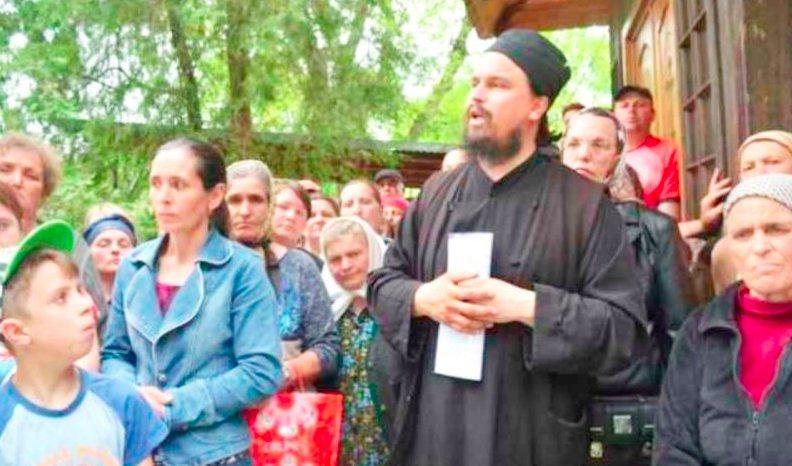 """Ioan era preot la o biserică din Iași, dar aproape nimeni nu și-a închipuit ce făcea părintele în timpul slujbelor. """"Da-ți-le foc imediat, e Dracul acolo!"""" Când au aflat ceilalți preoți, s-au îngrozit"""
