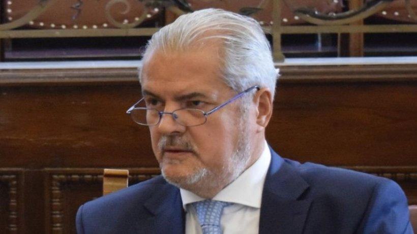"""Adrian Năstase, despre ședințele de Guvern: """"Lecţiile de dirigenţie ale preşedintelui subminează autoritatea premierului"""""""