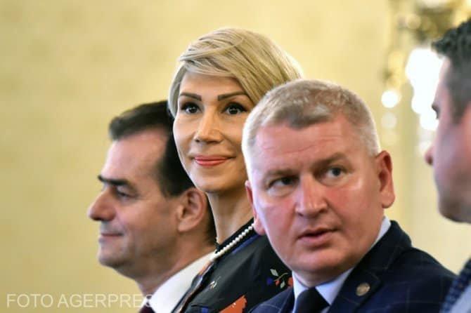Florin Roman: Concedierile încep cu cei aproape 65.000 angajați de către PSD în administrație