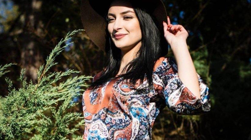 Mălina-Elena are 22 de ani, este din Botoșani și este de o frumusețe răpitoare. Doar că toți își fac cruce când le spune cu ce se ocupă! E imposibil așa ceva! (FOTO)