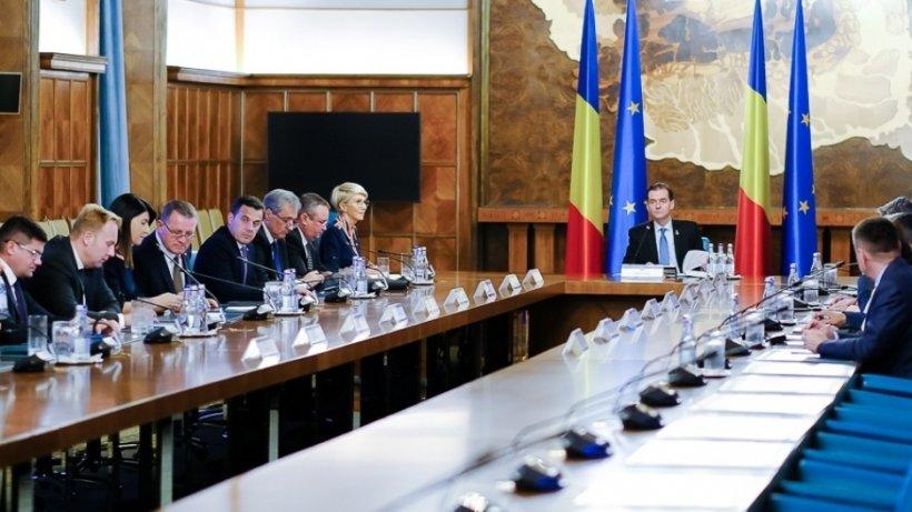 """Ședință de Guvern cu mize uriașe. Ludovic Orban: """"Demarăm procedura asumării răspunderii pe cele trei proiecte"""""""