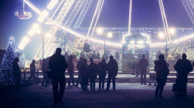 Imagini revoltătoare au fost surprinse la Târgul de Crăciun din Baia Mare. Ce a făcut un comerciant în văzul tuturor - VIDEO