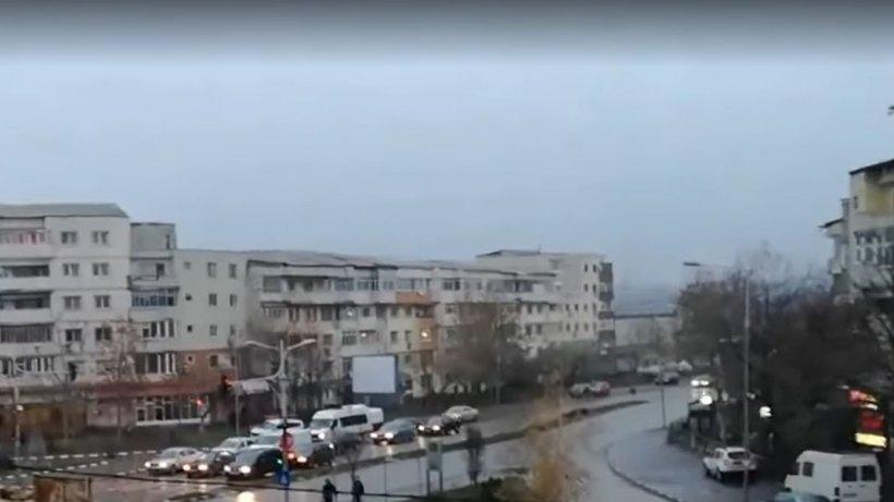 """Se afla într-un bloc din centrul Alexandriei, când a scos capul pe geam. A încremenit: """"Dumnezeule, sunt cu zecile!"""" (FOTO+VIDEO)"""