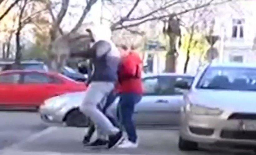 Scene șocante: Fiul lui Gheorghe Dincă a bătut mai mulți jurnaliști