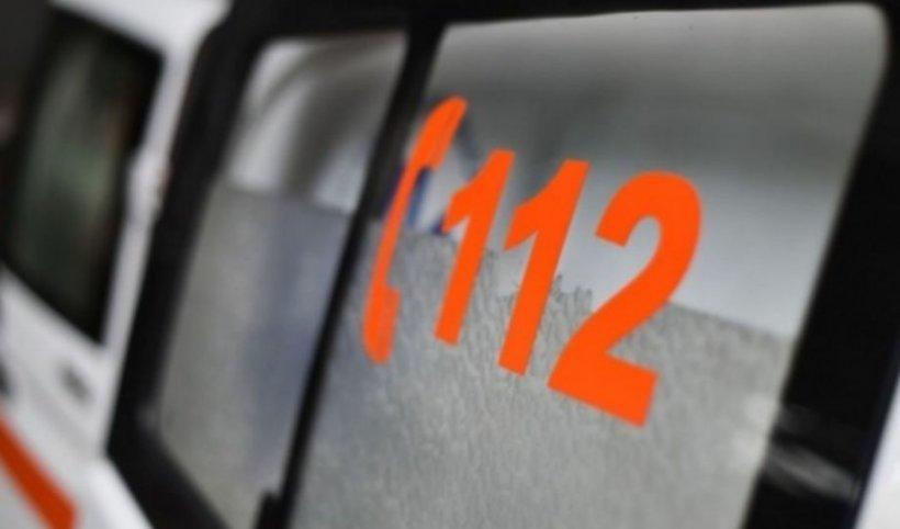 Un poliţist şi-a pierdut viaţa, după ce a intrat cu mașina într-un autobuz pe DN 17