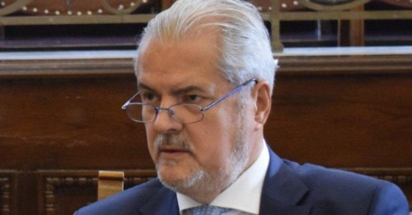 Adrian Năstase, apariție surprinzătoare în Parlament. Ce a făcut fostul premier