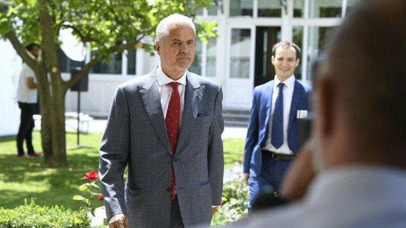 Adrian Năstase: Guvernul Iohannis subminează statul de drept din România