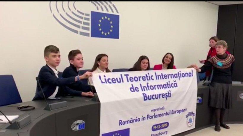 Cinci elevi români au fost premiaţi la Strasbourg, în Parlamentul European