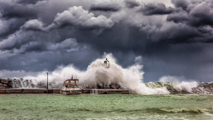 Dezastru în Spania și Portugalia, din cauza furtunei Elsa. Cel puțin patru persoane au murit