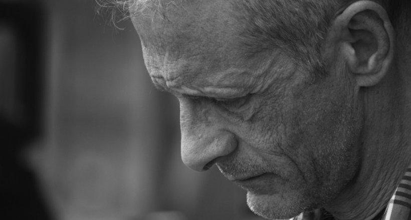 Scrisoarea sfâșietoare a unui român plecat în străinătate: După ce ți-ai îngropat părinții...