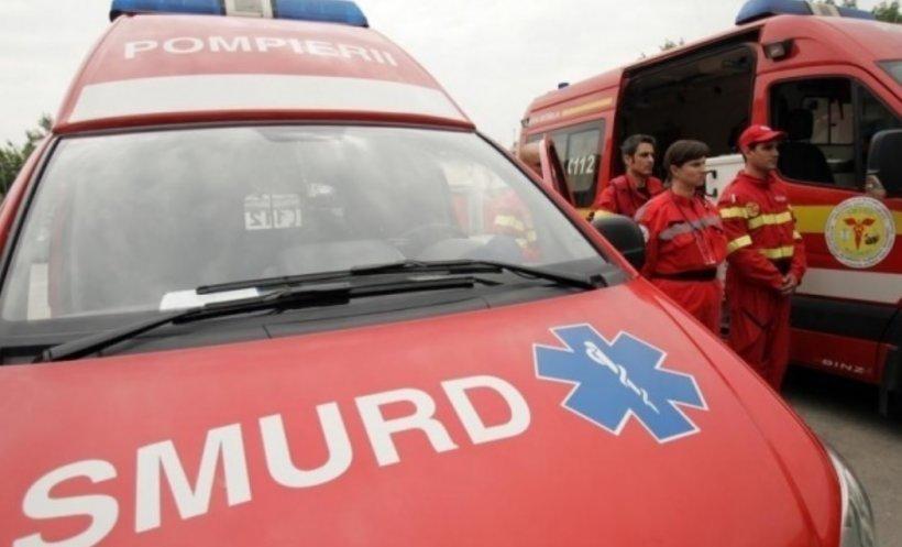 Carambol în Sibiu. Zece persoane, printre care o fetiță de cinci ani, duse de urgență la spital