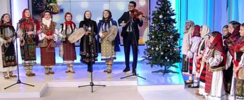 """Grupul """"Rădăcini"""" de la Colegiul Național Dinu Lipatti, surpriză în platoul Antenei 3"""