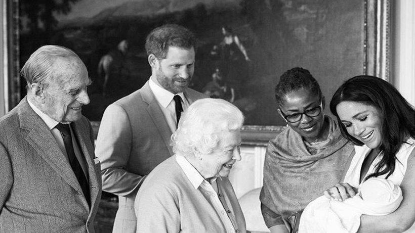 Fiul Prințului Harry și al lui Meghan Markle este adorabil! Ducele și Ducesa de Sussex au publicat o felicitare de Crăciun cu Archie în prim-plan
