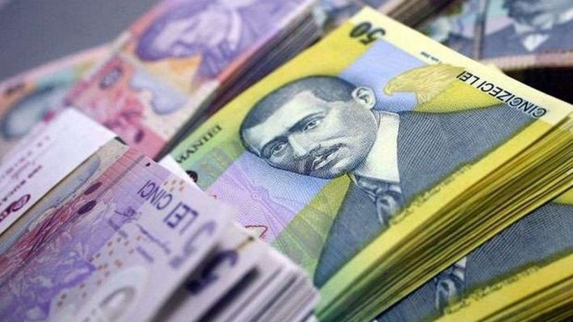 Leul s-a depreciat marţi în raport cu principalele valute