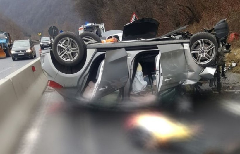 Accident mortal în a doua zi de Crăciun pe Valea Oltului: Două persoane au decedat