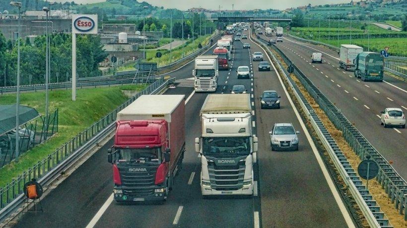 Ce a pățit un român care a depășit viteza legală cu 9 km/oră în Olanda. Șoferului nu i-a venit să creadă: În România nu se întâmpla așa ceva!
