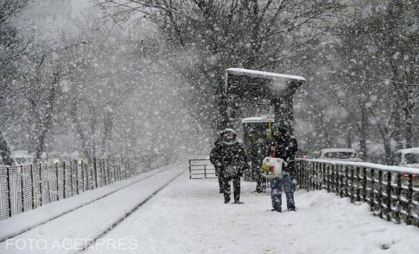VREMEA. Nouă avertizare meteo de la meteorologi. Zonele unde va ninge și va viscoli