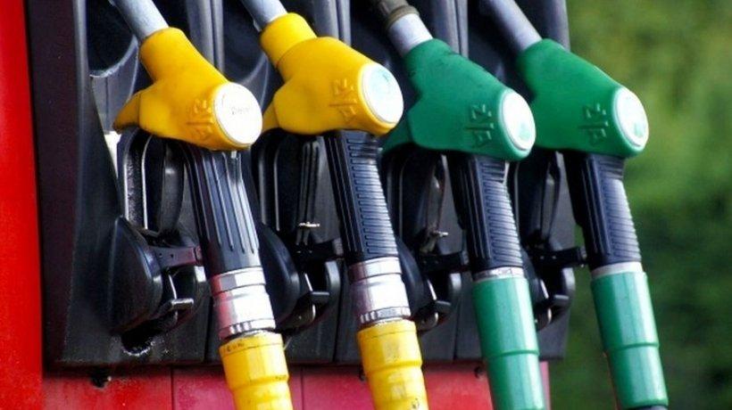 Preț carburanți 2020. Ce se întâmplă cu prețul la pompă