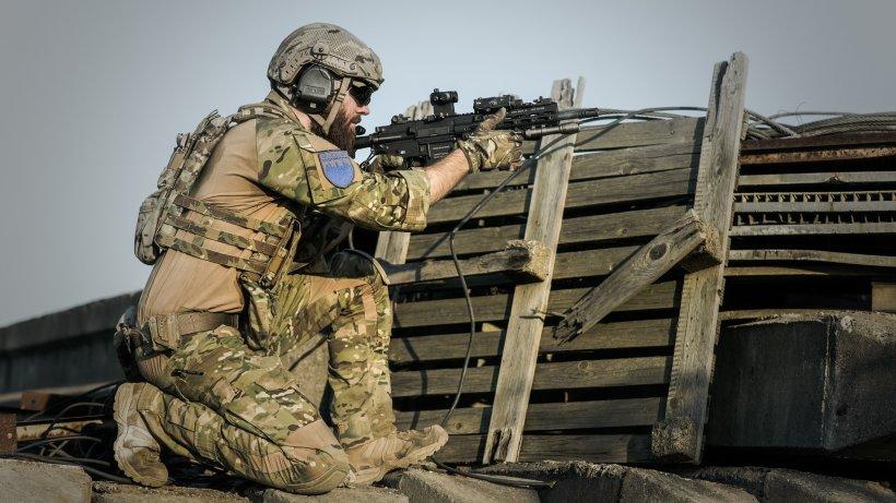 Iran a lovit baze irakiene unde staționează soldați americani