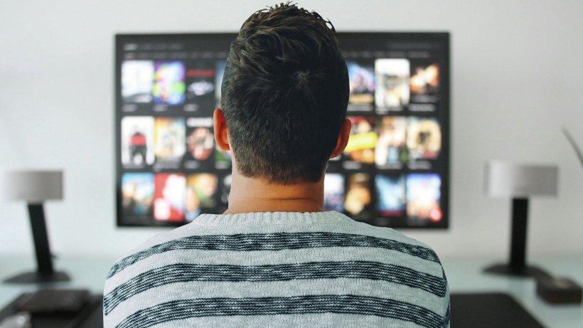 24 IT. Cum îţi transformi televizorul vechi în smart tv
