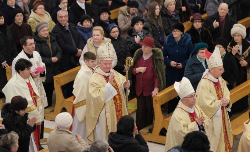 Monseniorul Aurel Percă este înscăunat ca arhiepiscop mitropolit de Bucureşti