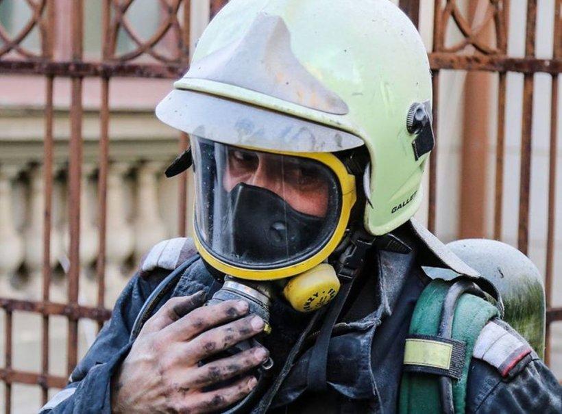 """""""Pipăi și calci pe ceva și nu știi pe ce"""". Pompierii care au intervenit în cazul celor patru frați arși de vii, la Timișoara, marcați de tragedie"""