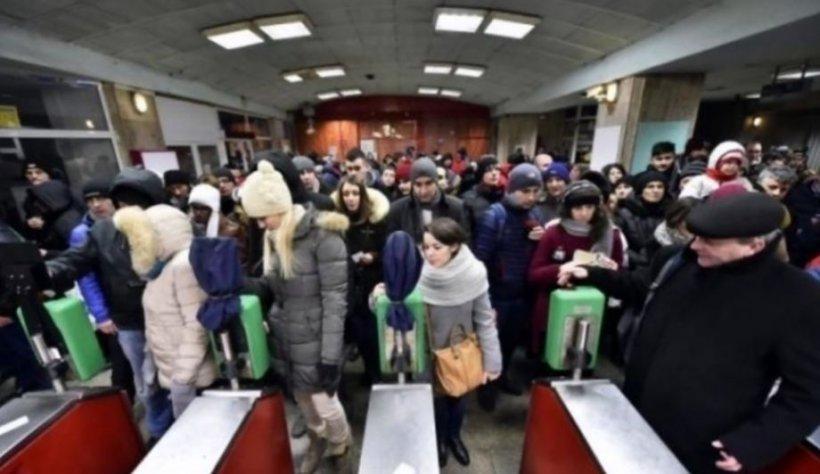 Haos la metrou, de dimineaţă. Au fost degajări mari de fum, la Piaţa Sudului