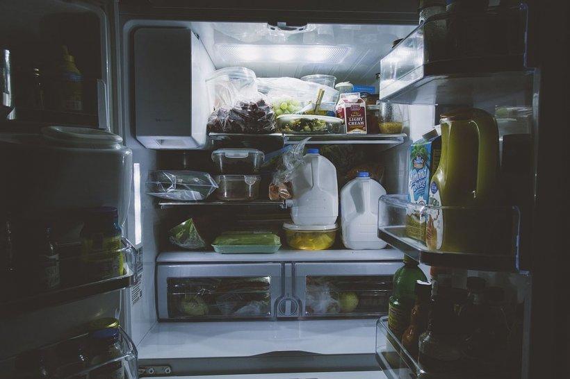 Pericolul din electrocasnice. Cum ne păcălesc producătorii şi la ce să fim atenţi când cumpărăm frigidere şi televizoare