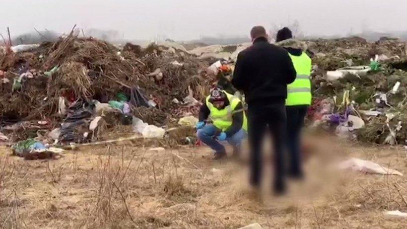 Descoperire macabră pe un câmp de lângă Timişoara. Resturi de cadavre umane, aruncate la gunoi