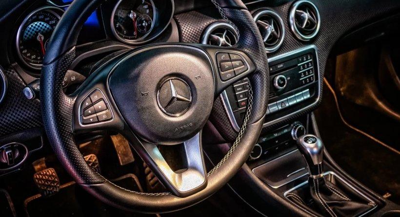 Superofertă la mașini de la ANAF. Mercedes Benz ML de la 3.800 de euro, VW Passat de la 4.500 de euro