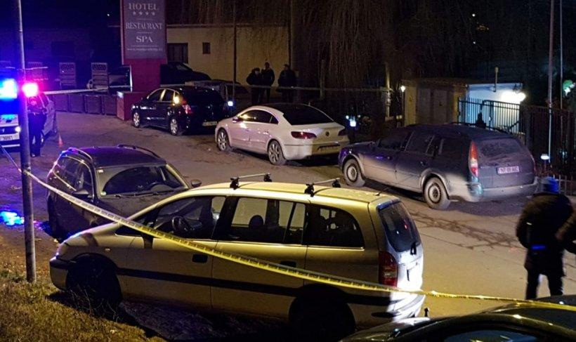 Tânără de 30 de ani, din Bacău, găsită moartă într-o mașină. Soțul ar fi înjunghiat-o și apoi ar fi încercat să se sinucidă