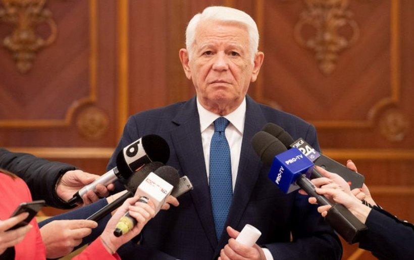 """Teodor Meleșcanu nu demisionează de la șefia Senatului până la publicarea deciziei CCR în Monitorul Oficial: """"Nu am ambiții personale. Vom face consultări politice"""""""