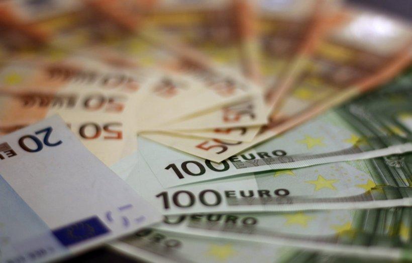 CURS VALUTAR 23 ianuarie 2020. Euro urcă spre 4,78 lei