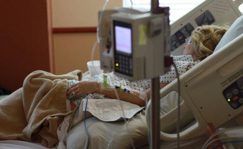 Un nou caz de meningită în România: O adolescentă de 17 ani a ajuns la spital
