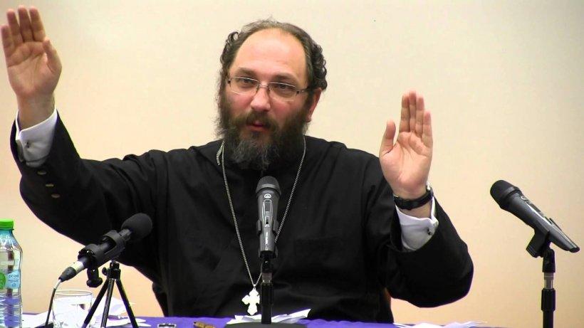 """Părintele Constantin Necula, despre escrocheriile făcute în numele său: """"Au depășit orice limită a bunului simț. Multă atenție cui încredințați banii. Încetați orice dialog pe Facebook"""""""